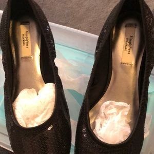 8.5 Vera Wang ballet  type sparkly slip on flat